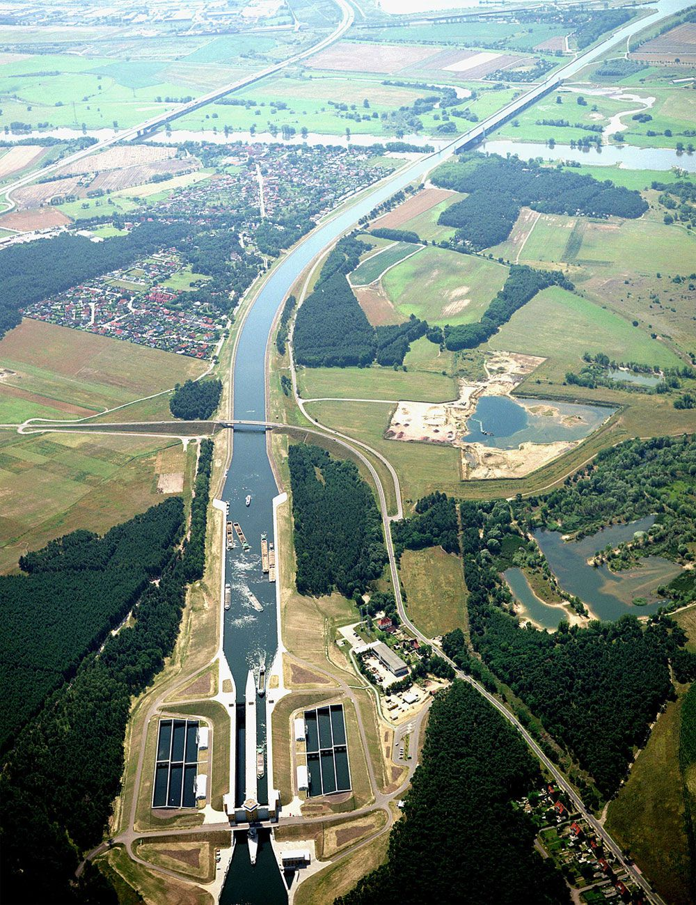 Magdeburg-Water-Bridge-00-3
