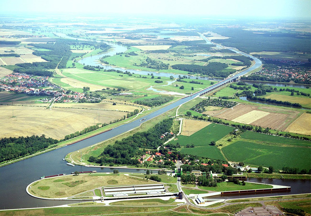 Magdeburg-Water-Bridge-00