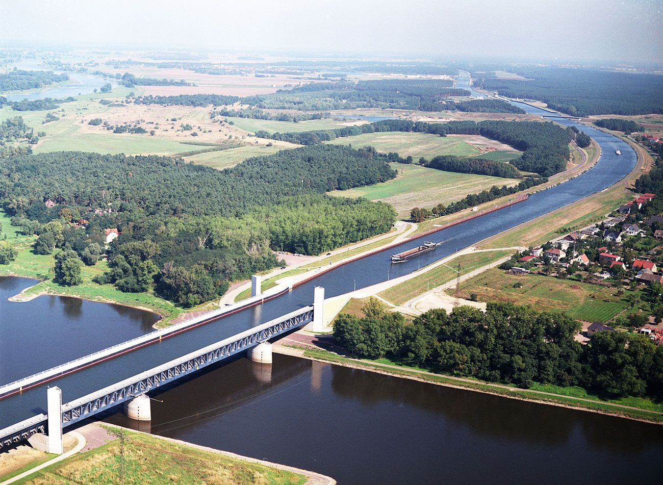 Magdeburg water bridge the longest navigable aqueduct in Longest house in the world