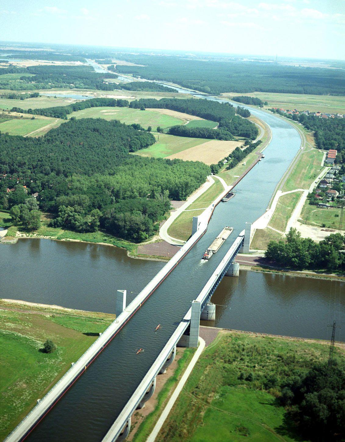 Magdeburg-Water-Bridge-01-2