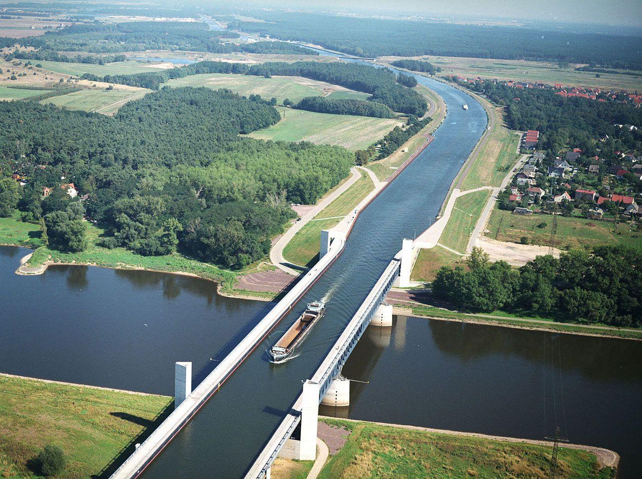 Magdeburg-Water-Bridge-01