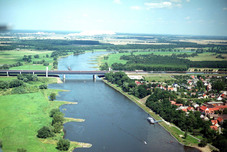 Magdeburg-Water-Bridge-02-1