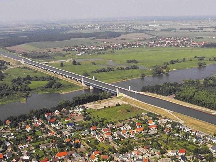 Magdeburg-Water-Bridge-03