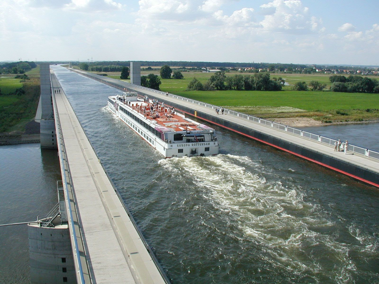 Magdeburg-Water-Bridge-04-1