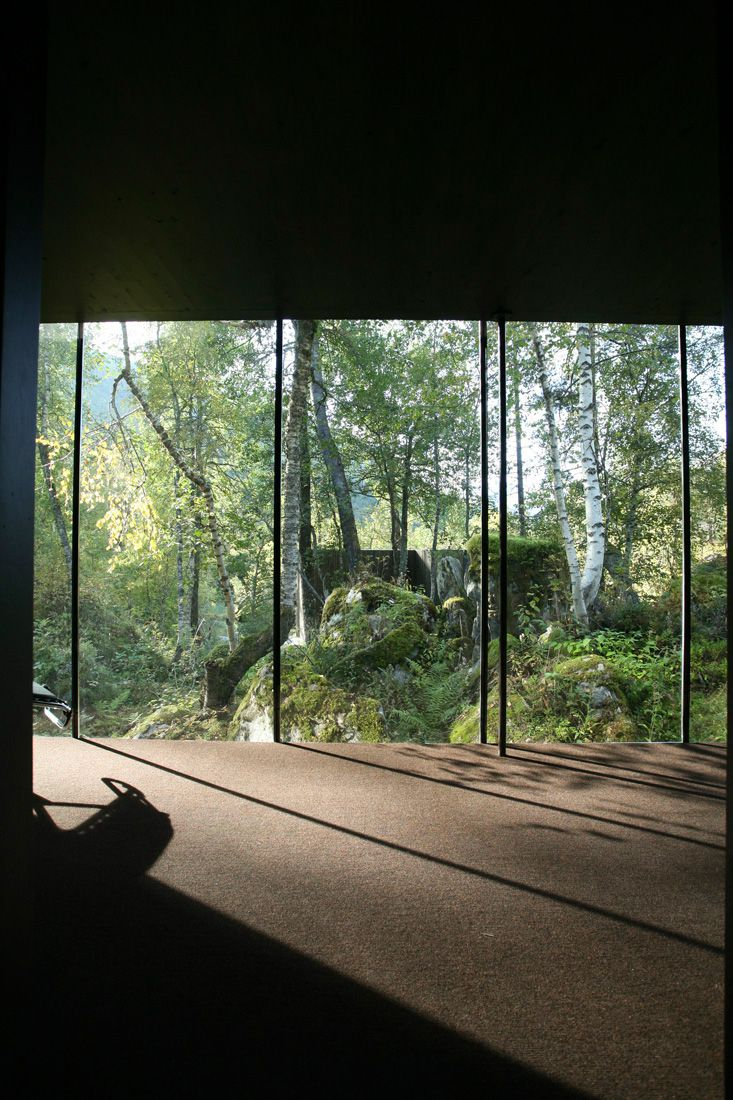 Minimalist-Juvet-Landscape-Hotel-in-Norway-05
