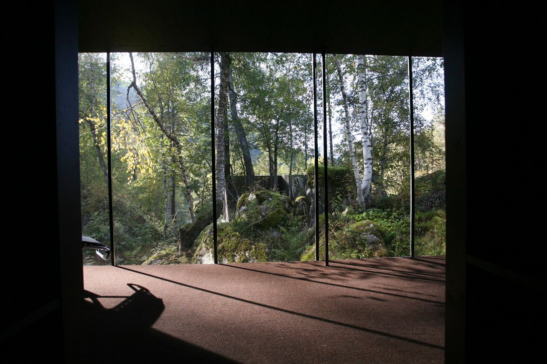 Minimalist-Juvet-Landscape-Hotel-in-Norway-06