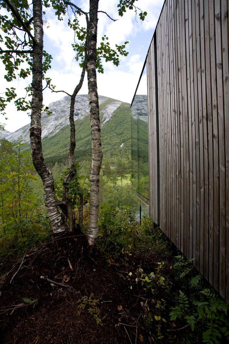 Minimalist-Juvet-Landscape-Hotel-in-Norway-20