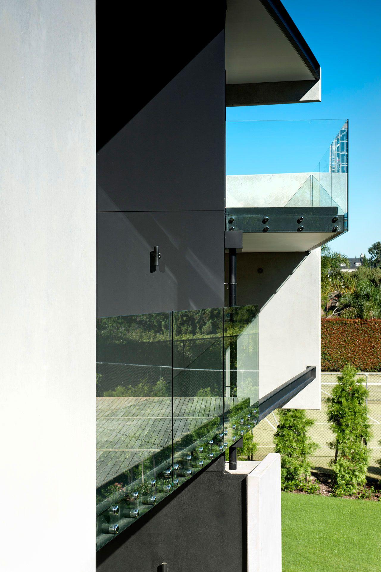 Modern-9-Elmstone-House-03