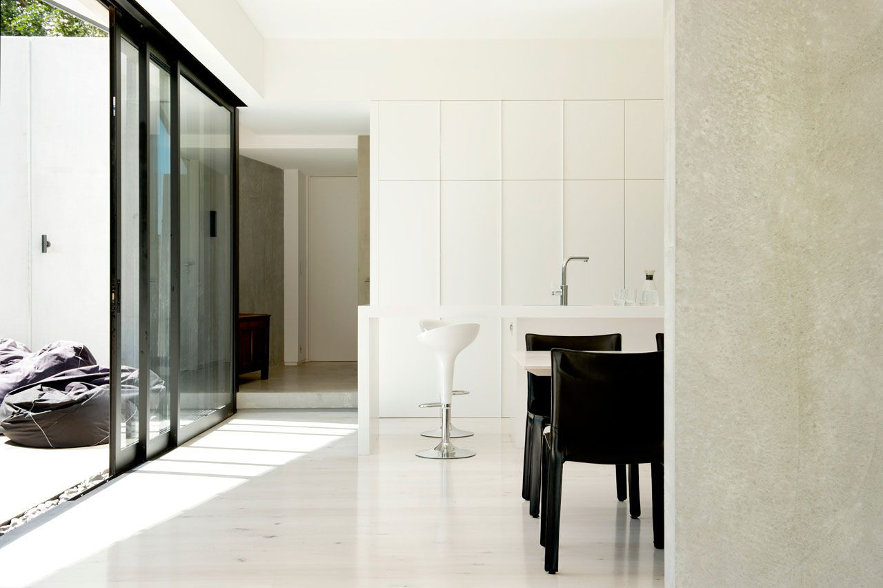 Modern-9-Elmstone-House-11