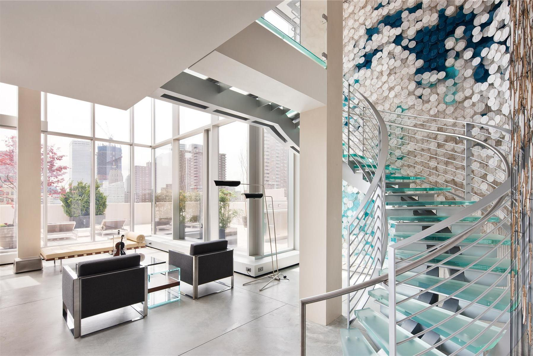 Modern-Full-Glass-Skyloft-Penthouse-03