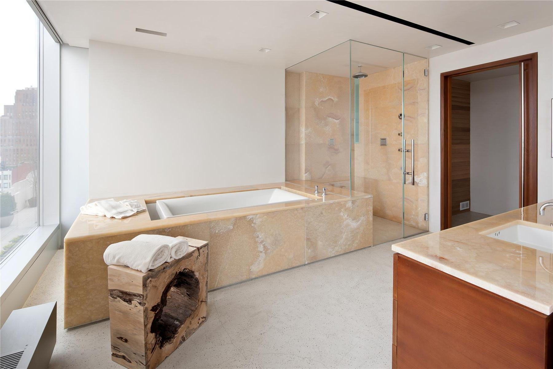 Modern-Full-Glass-Skyloft-Penthouse-08
