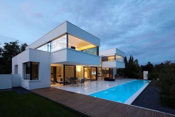 The Modern HI-MACS House by Karl Dreer and Bembé Dellinger Architects