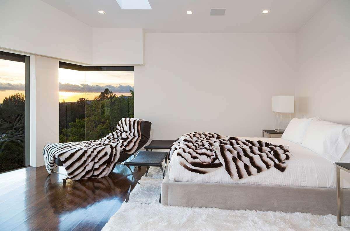 Modern-Home-on-Sunset-Strip-17