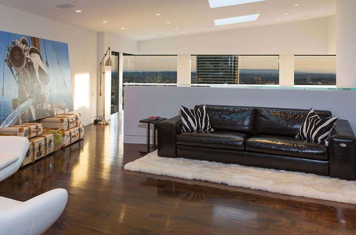 Modern-Home-on-Sunset-Strip-19
