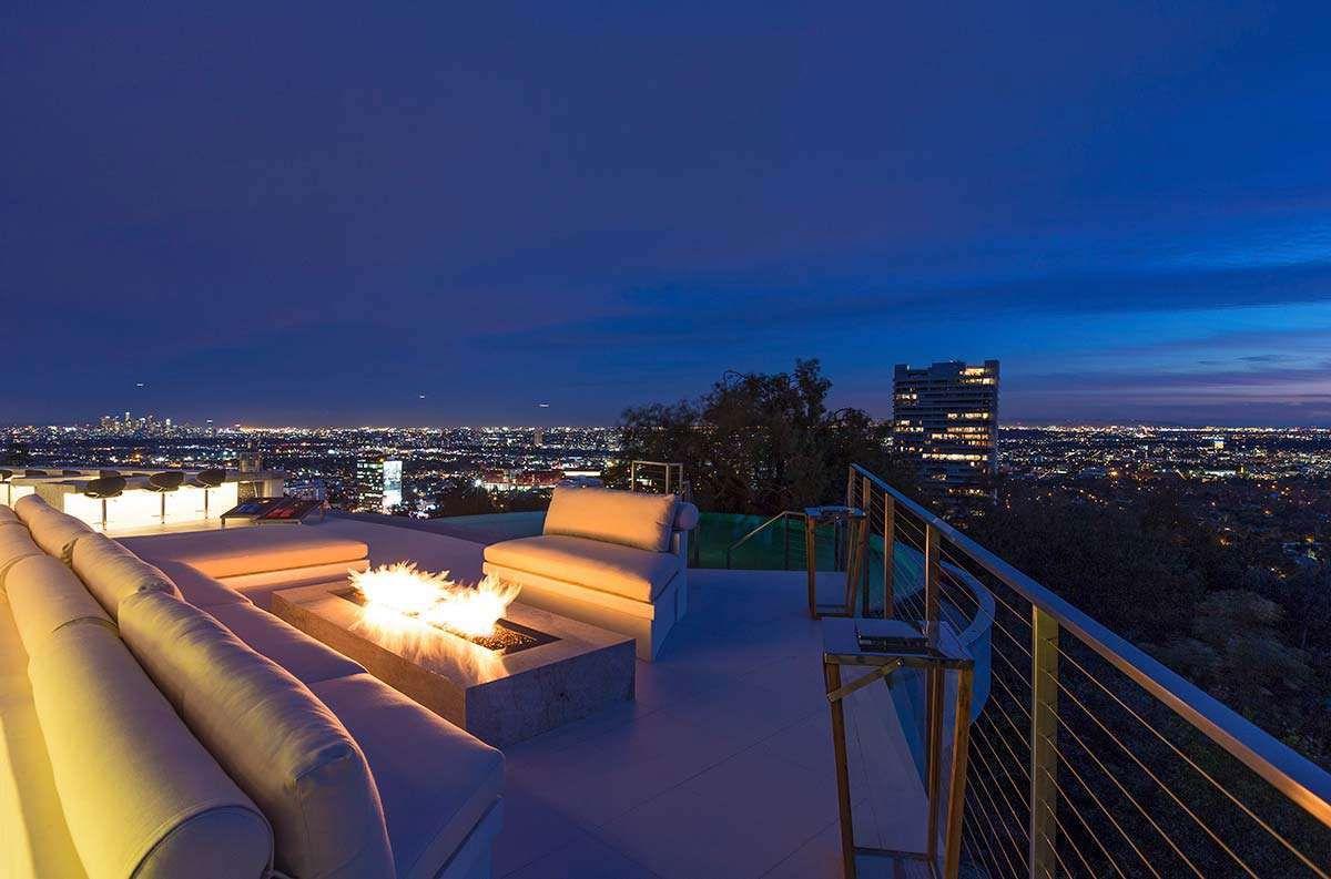 Modern-Home-on-Sunset-Strip-42