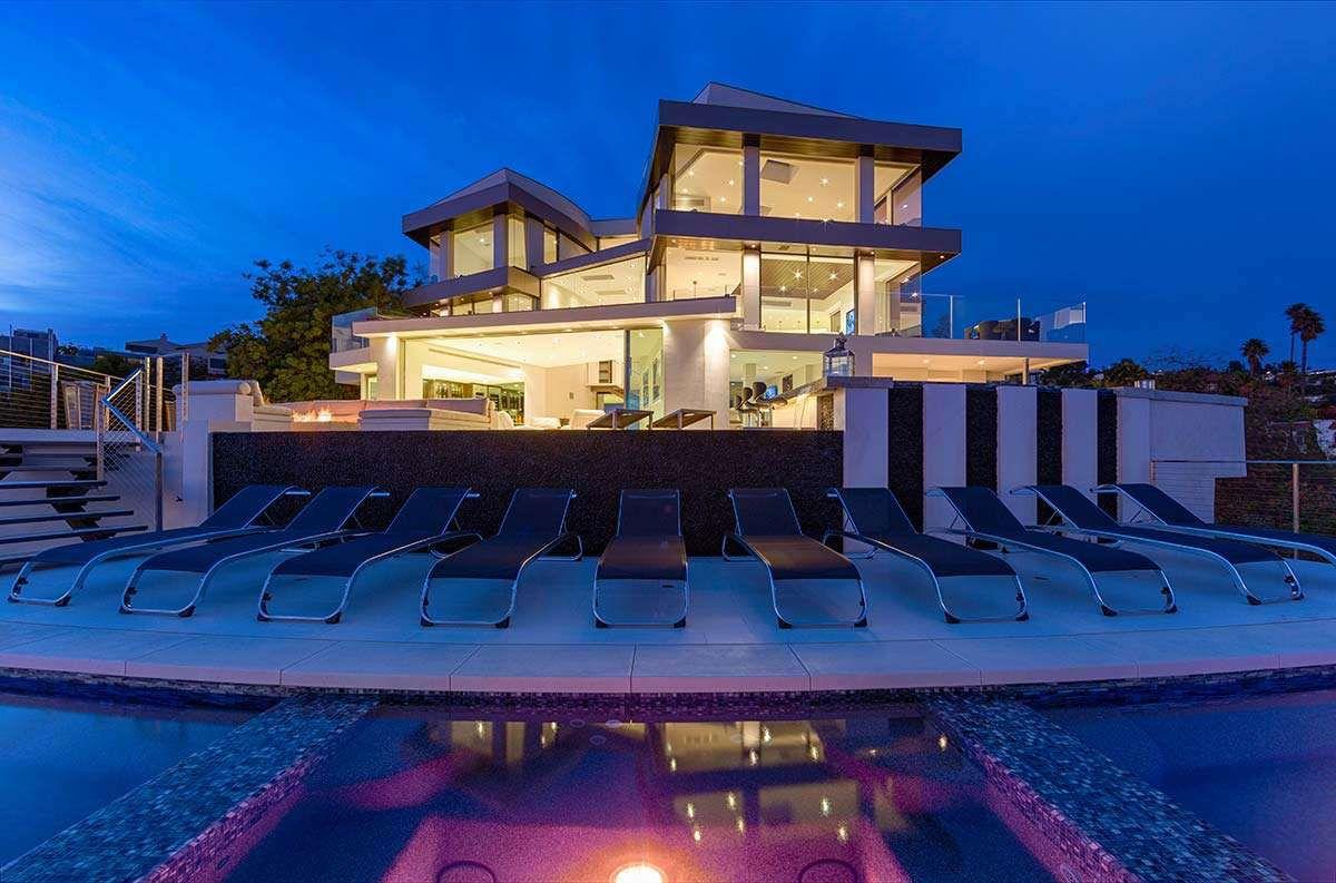 Modern-Home-on-Sunset-Strip-51