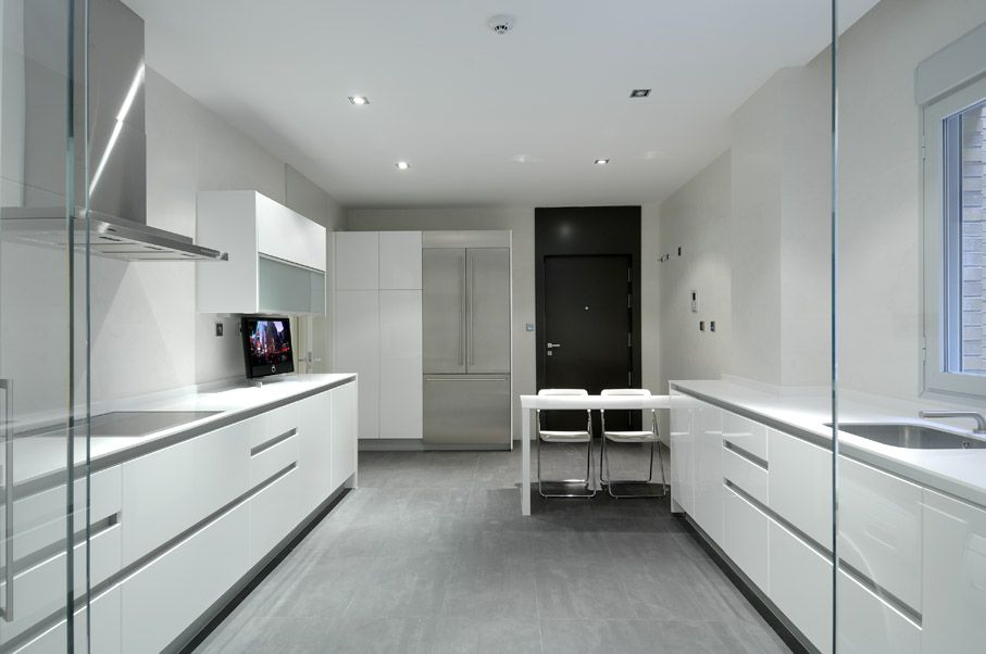 Modern-Serrano-Apartments-17