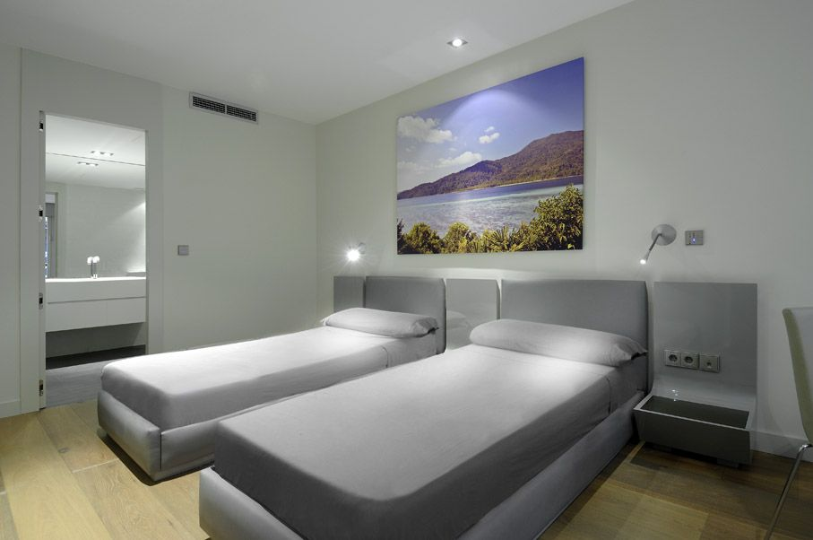 Modern-Serrano-Apartments-30