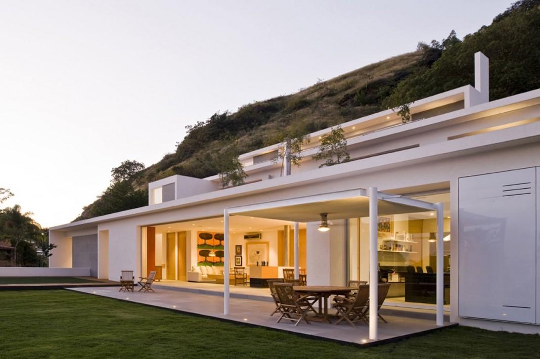 Mountain House by Agraz Arquitectos
