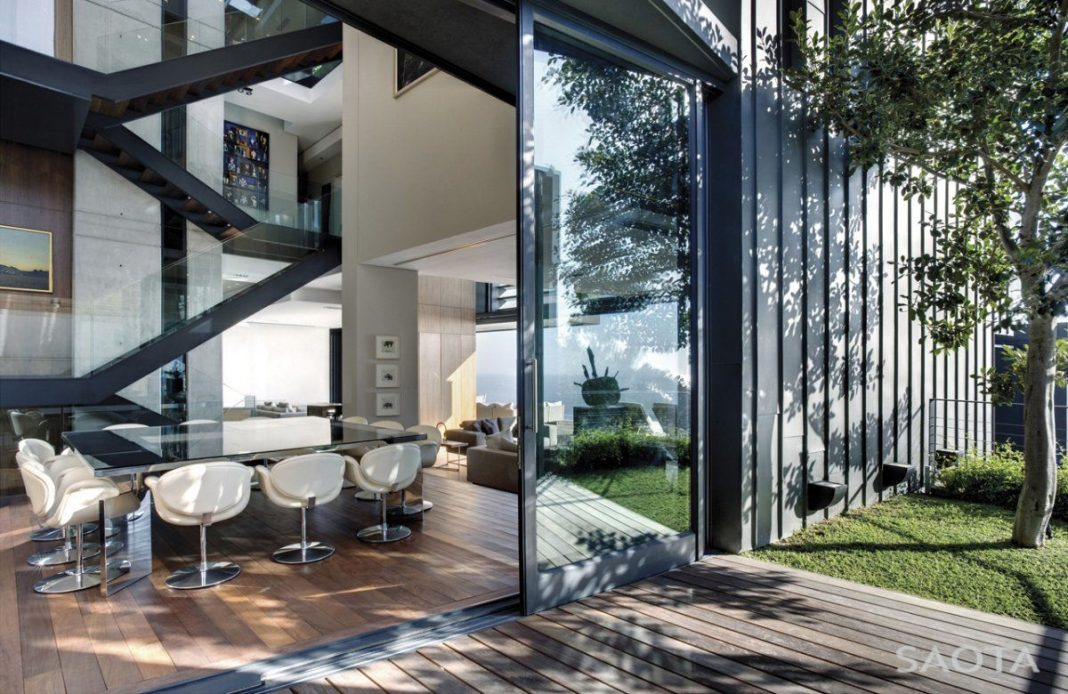 Nettleton 195 Luxury Residence bySAOTA and Antoni Associates