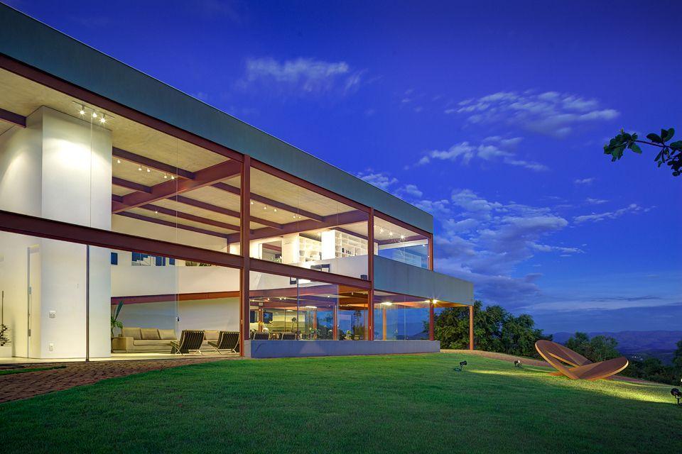 Nova Lima House by Denise Macedo Arquitetos Associados