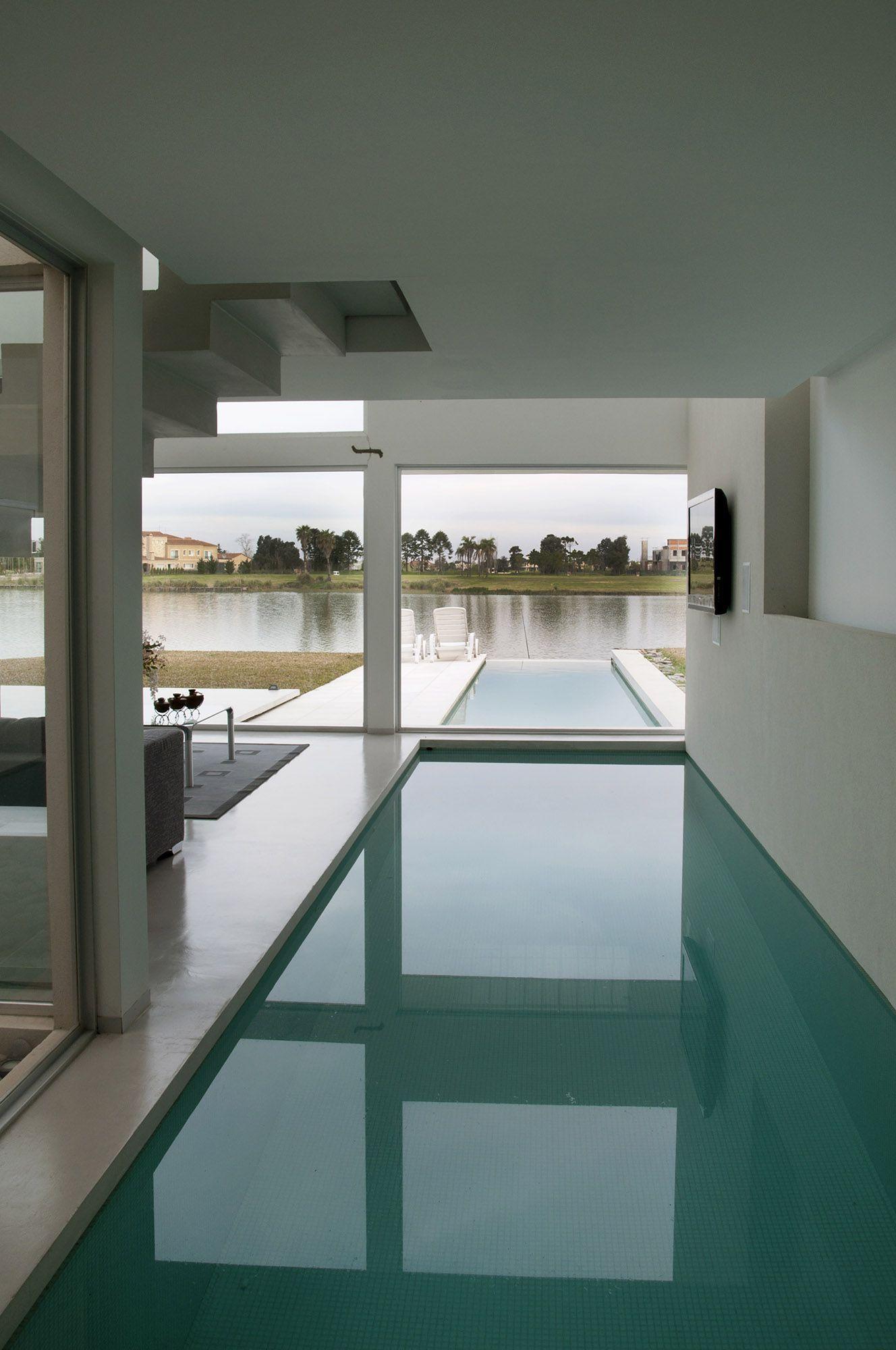 Pool House 16