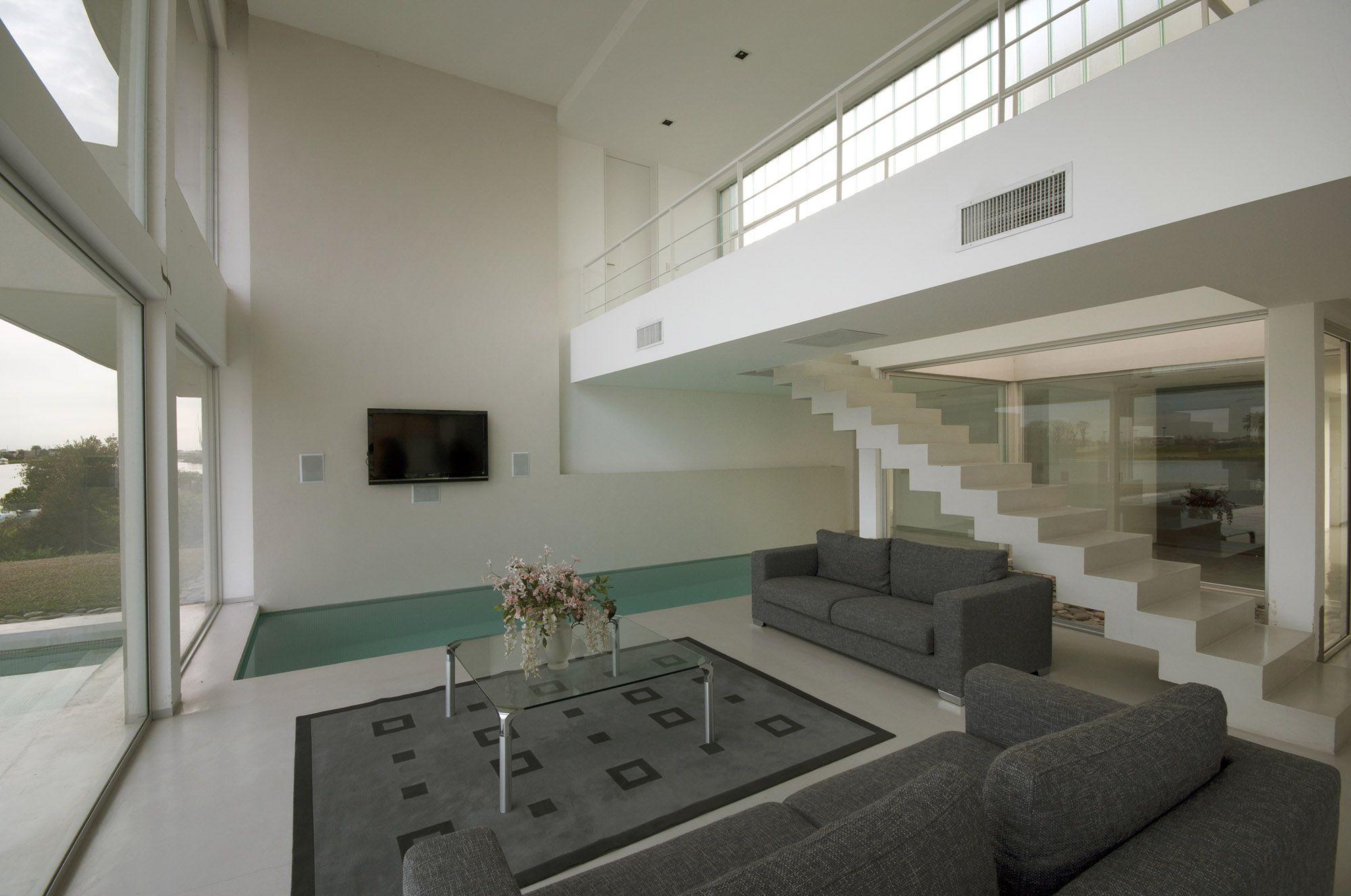Pool House 19