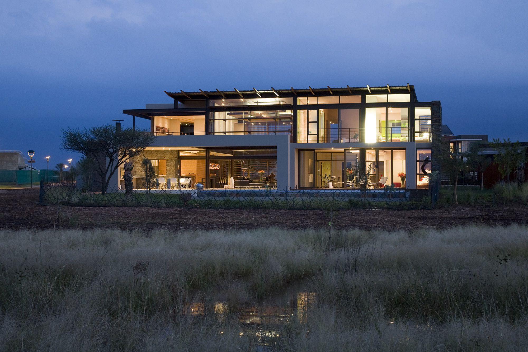 Serengeti Designed by Rudolph van der Meulen 132
