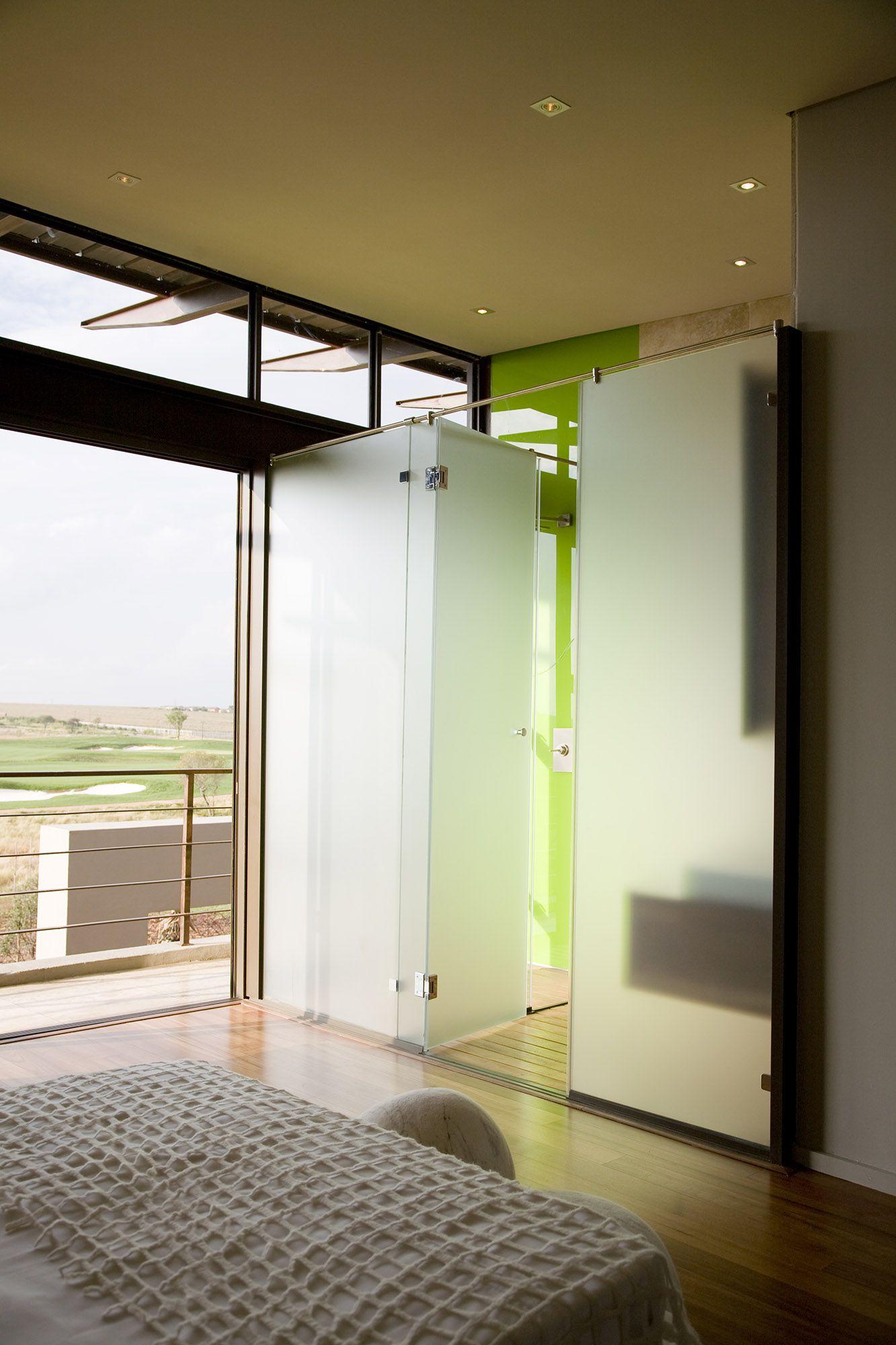 Serengeti Designed by Rudolph van der Meulen 199