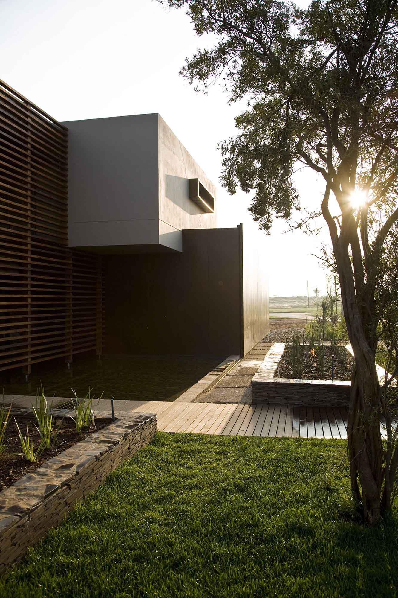 Serengeti Designed by Rudolph van der Meulen 274