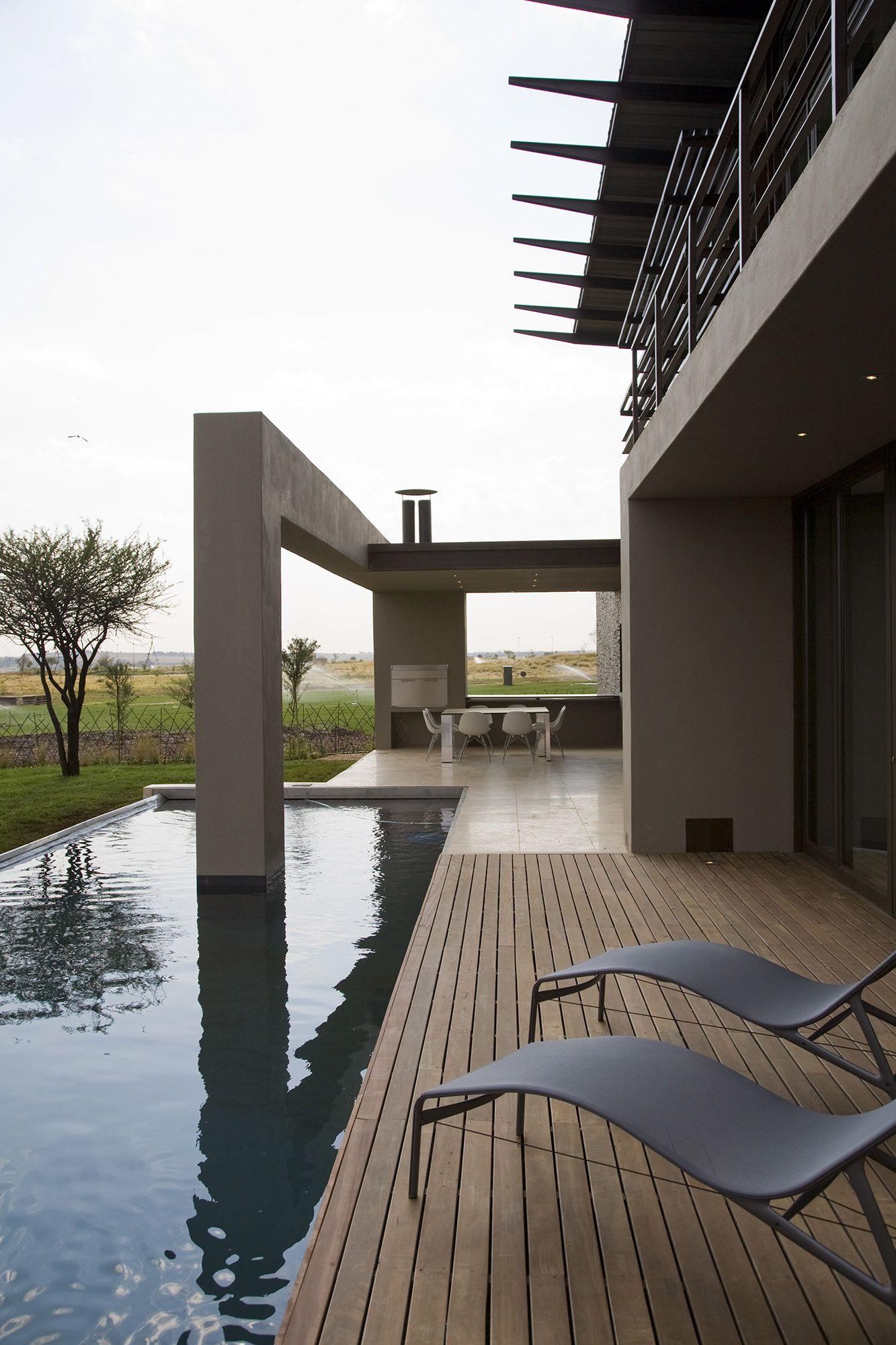 Serengeti Designed by Rudolph van der Meulen 314
