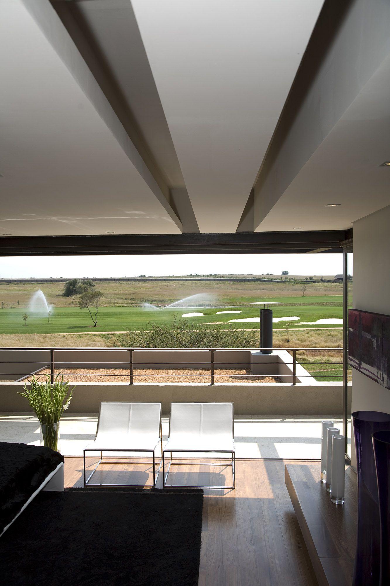 Serengeti Designed by Rudolph van der Meulen 320
