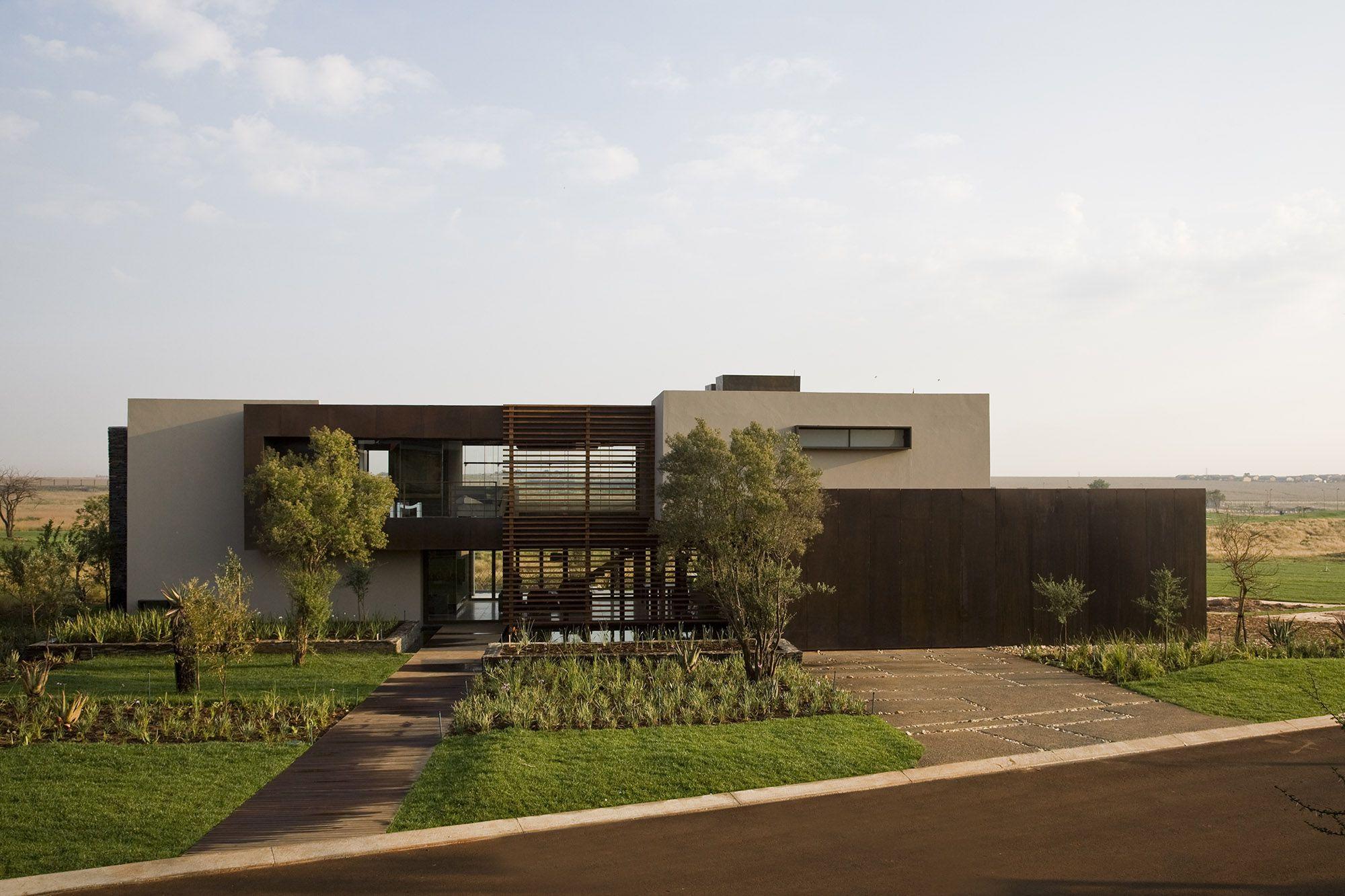 Serengeti Designed by Rudolph van der Meulen 326