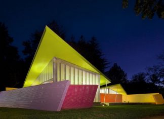Shelter Island Pavilion by Stamberg Aferiat Architecture