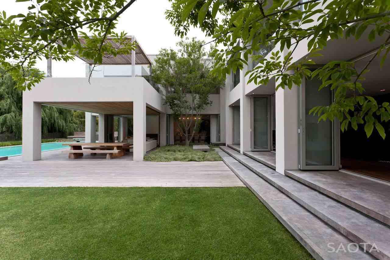 Silverhurst-Residence-01