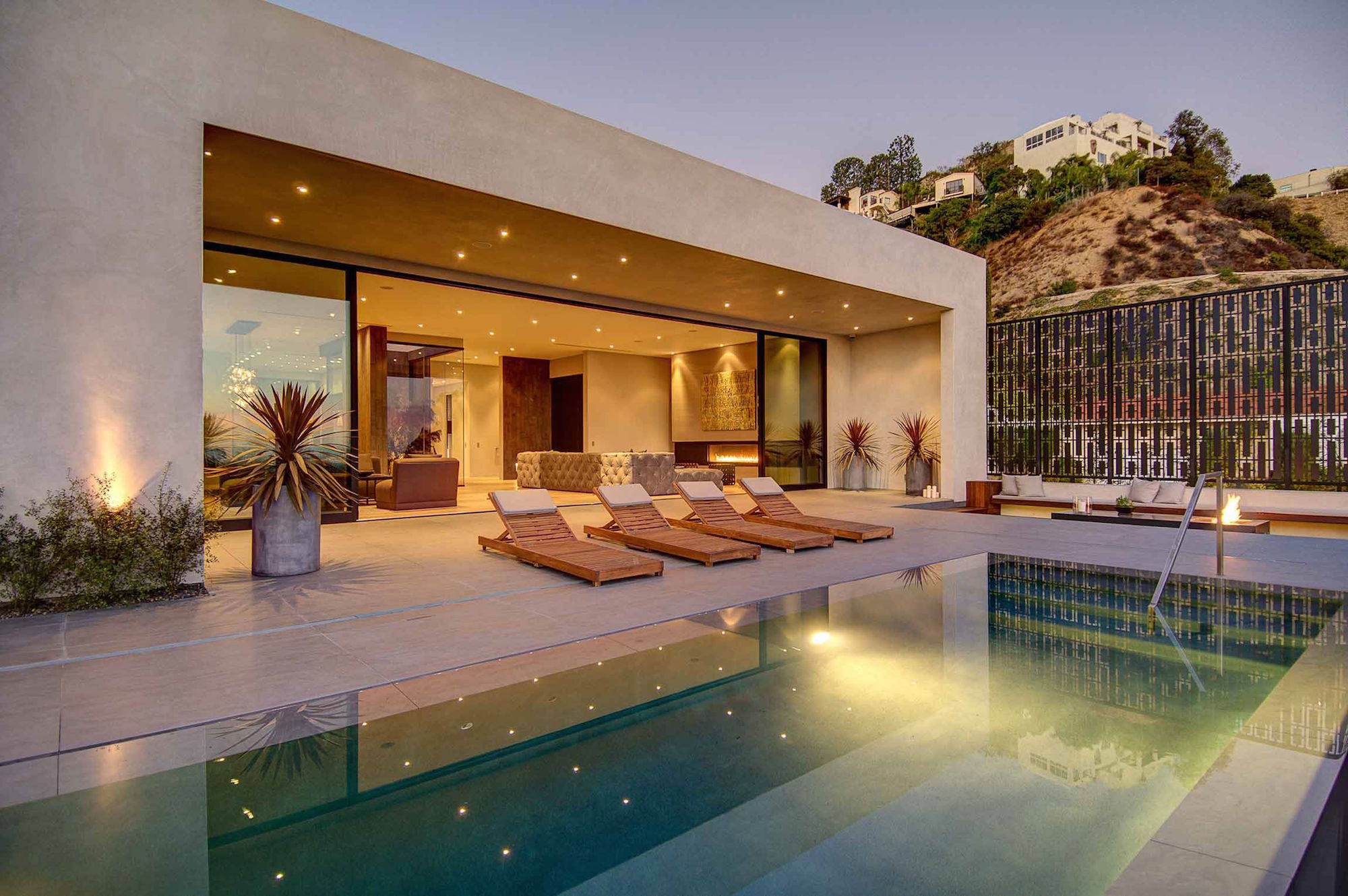 Spectacular-Views-Over-Los-Angeles-36