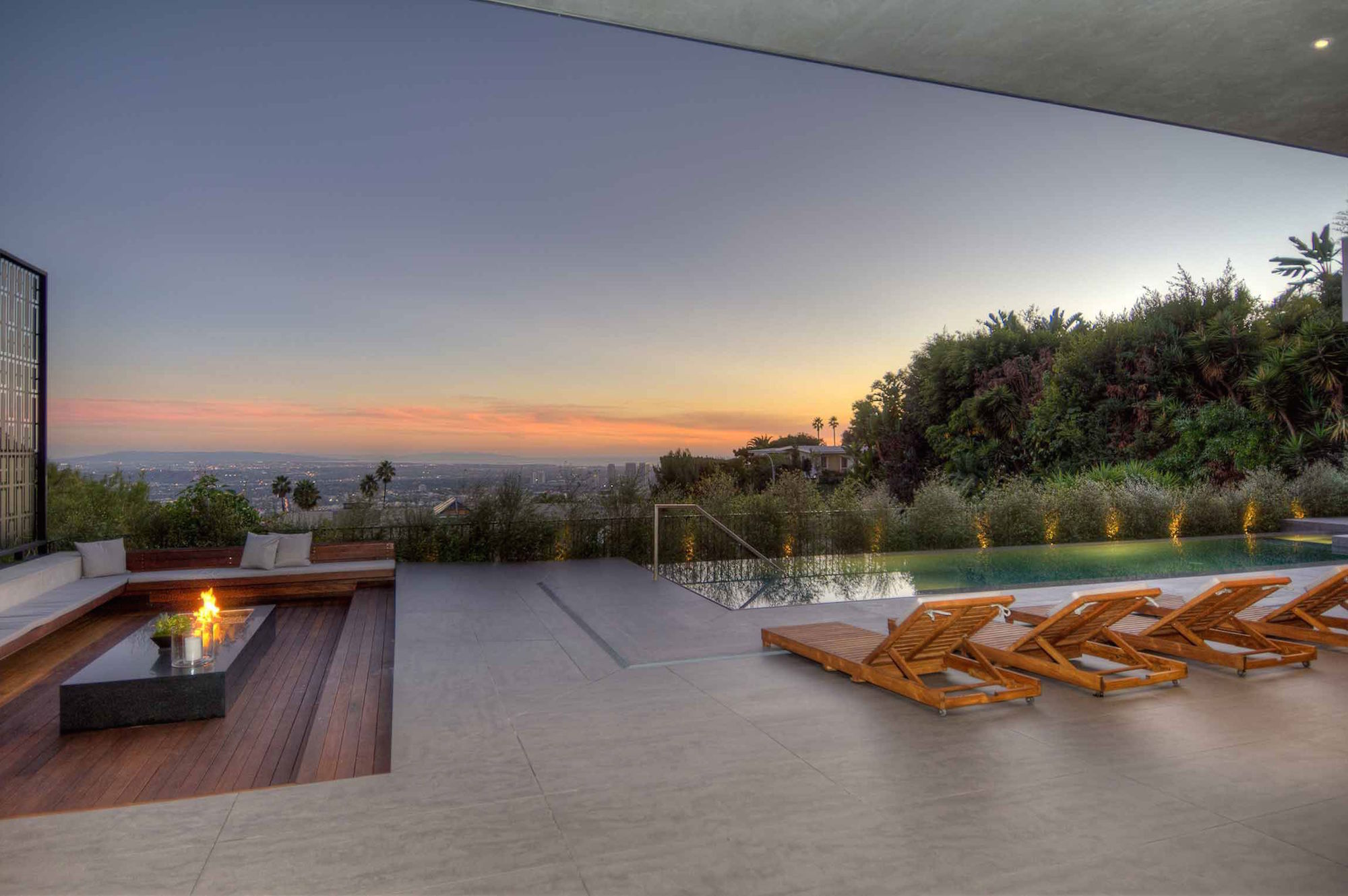 Spectacular-Views-Over-Los-Angeles-38
