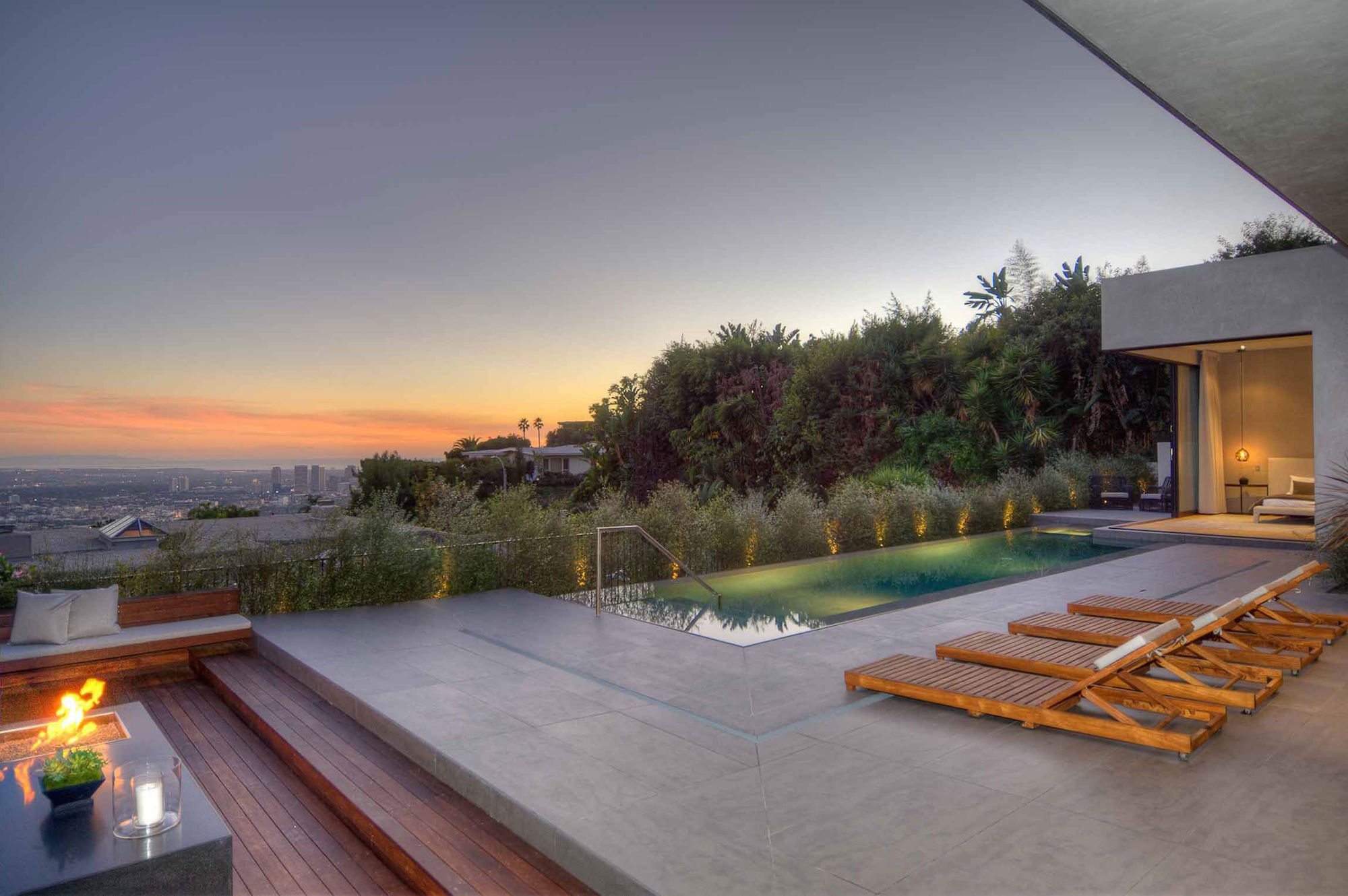Modern Residence In Los Angeles By La Kaza And Meridith