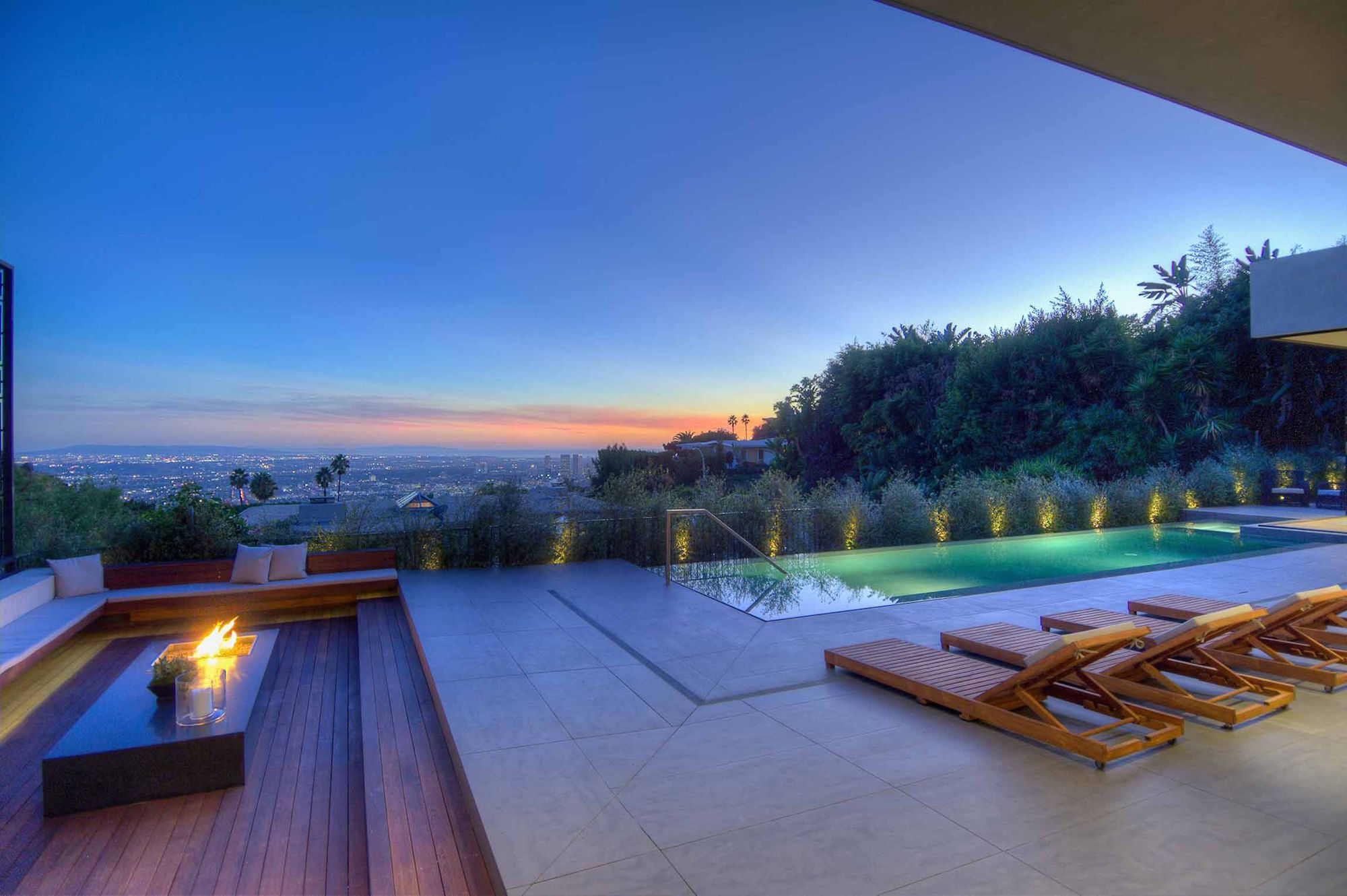 Spectacular-Views-Over-Los-Angeles-40