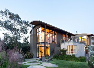 Strathmoor House by WA Design