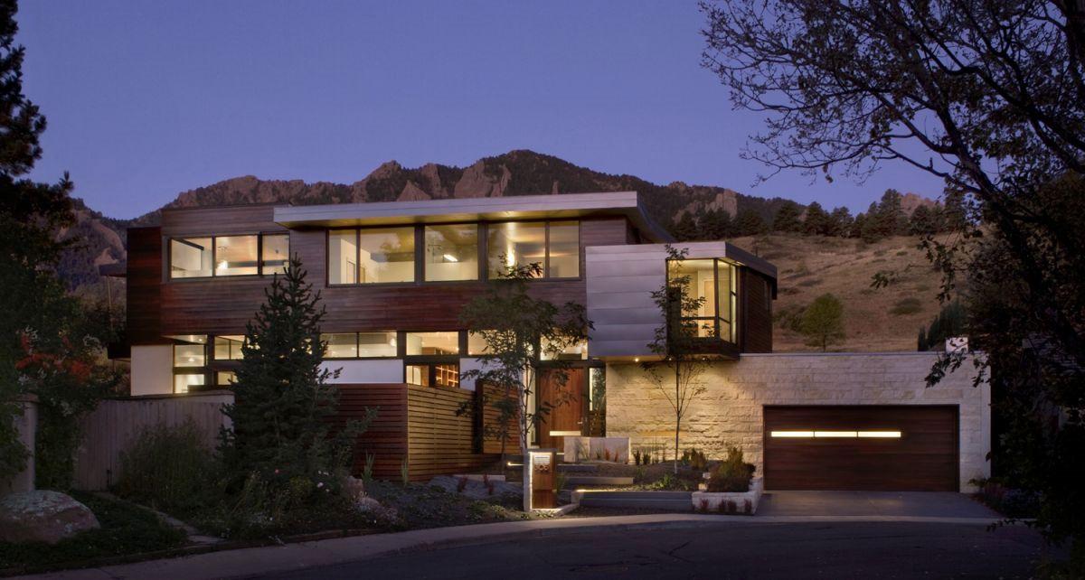 Syncline-House-Boulder-01