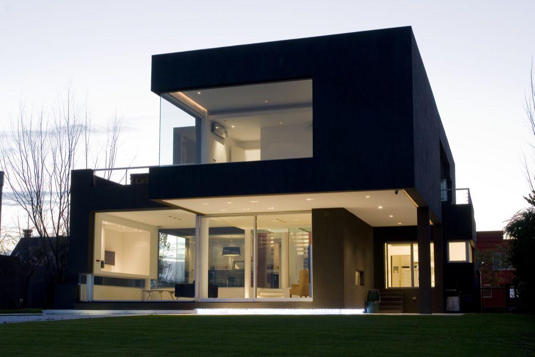 The-Black-House-01-2
