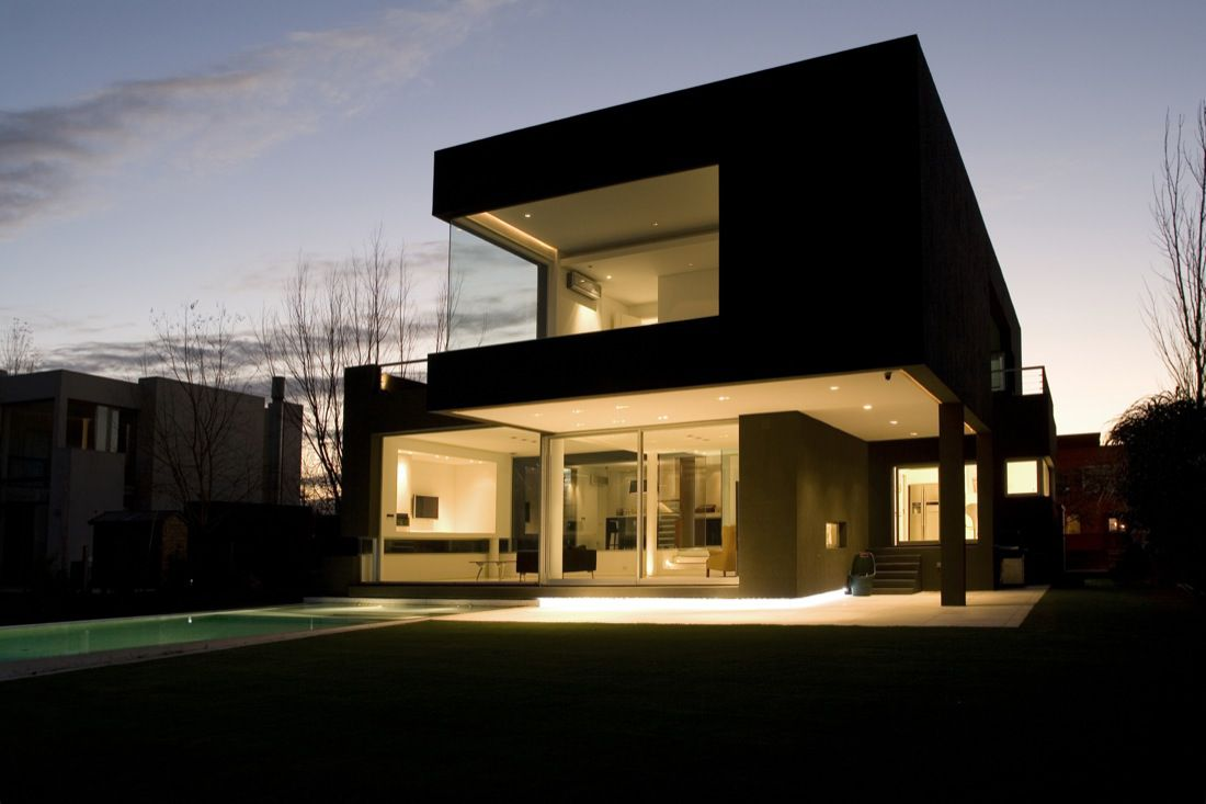 The-Black-House-01-5