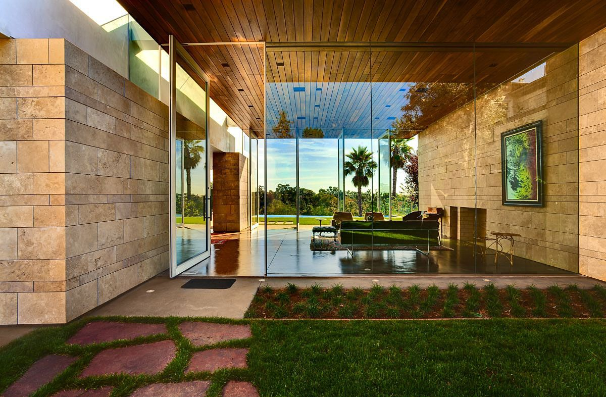 The-Carrillo-Residence-01