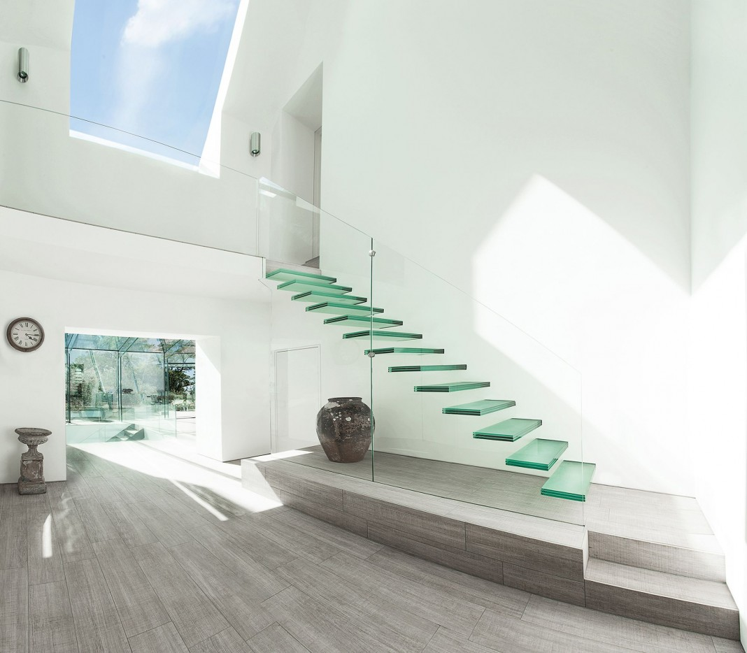 The Glass House by AR Design Studio