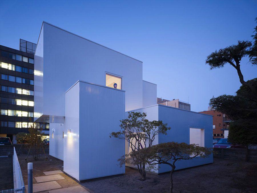 The-Minimalist-House-I-in-Akita-02