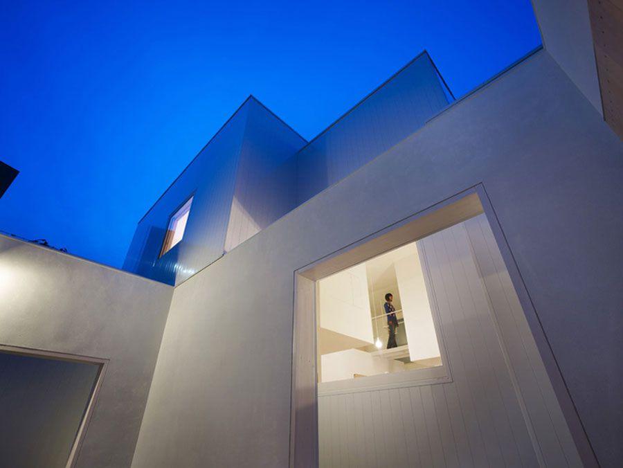 The-Minimalist-House-I-in-Akita-03