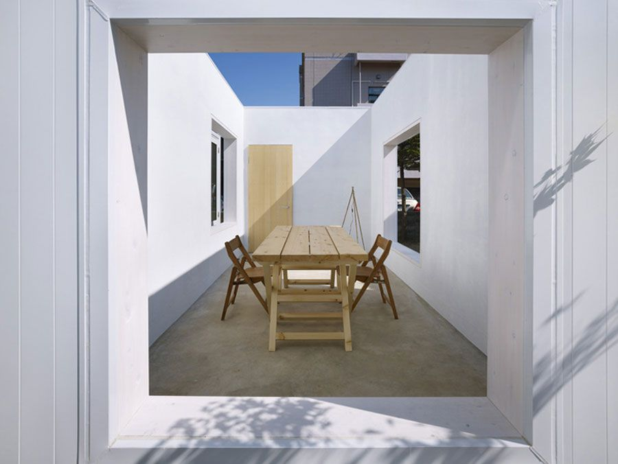 The-Minimalist-House-I-in-Akita-06