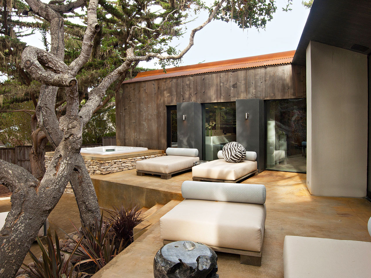 The-Ultimate-Pebble-Beach-Residence-02-2