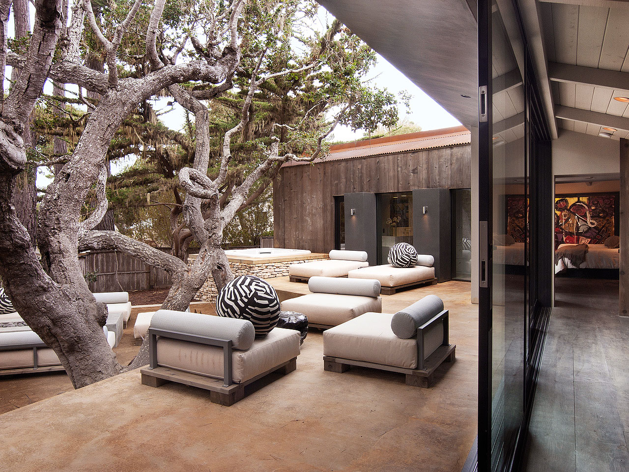 The-Ultimate-Pebble-Beach-Residence-02-4